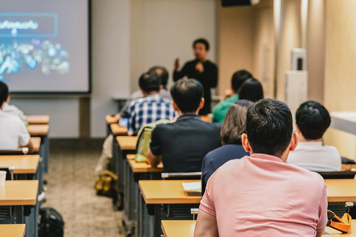 Cursos del Colegio de Castellón: la puerta a la profesión